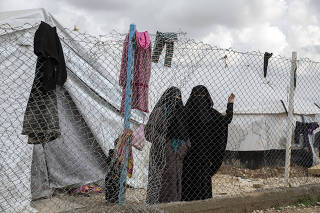Women who fled the Islamic State?s last areas of control in Syria at the Al Hol camp in northern Syria on March 28, 2019.