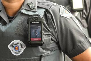 Equipamento que será implantado nos uniformes dos policiais militares de SP