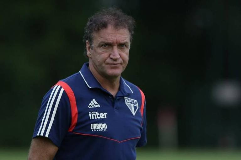 Cuca fará sua estreia no comando do São Paulo contra o Palmeiras, neste domingo (7)