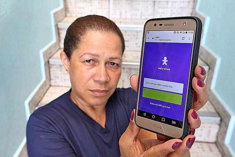 Marcia Araújo diz que loja da Vivo não imprime fatura