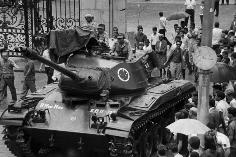 Tanque no Rio de Janeiro, no dia do golpe militar, em 1964