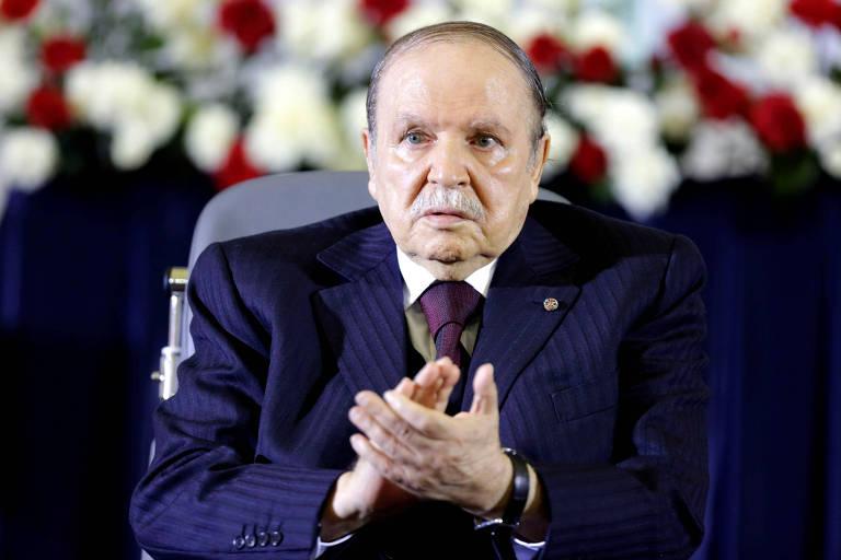 Abdelaziz Bouteflika durante a cerimônia em que tomou posse de seu quarto mandato como presidente da Argélia, em 2014