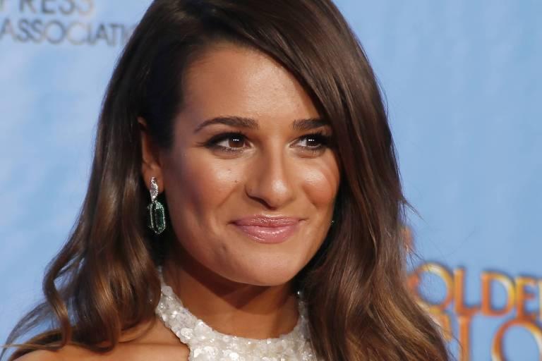 Lea Michele, da série Glee, durante cerimônia do Globo de Ouro, na Califórnia