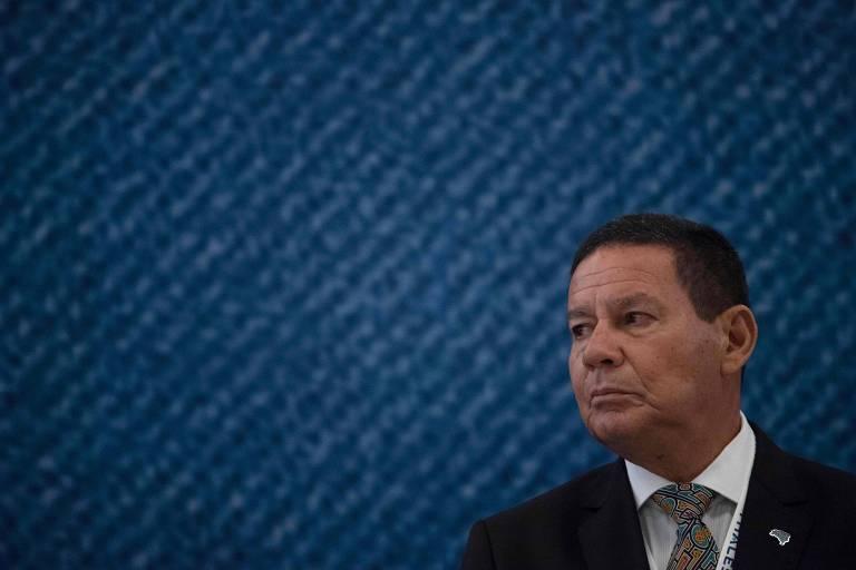 O presidente interino do Brasil, Hamilton Mourão, durante durante evento no Rio nesta terça-feira (2)