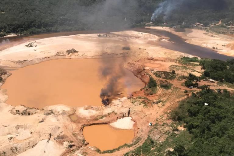 Garimpo ilegal no rio Jequitinhonha