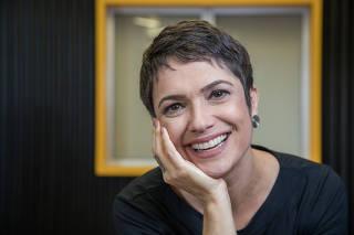 Retrato da jornalista e apresentadora  Sandra Annenberg