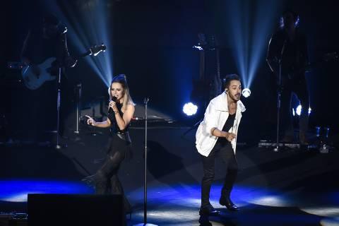 Dupla Sandy e Junior em pocket show promocional da patrocinadora da turnê Nossa História Volkswagen