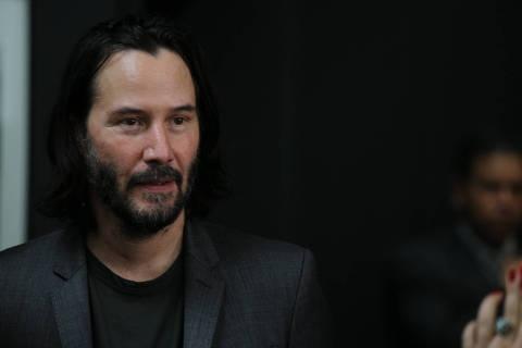 Keanu Reeves ao chegar para reunião com o governador João Dória