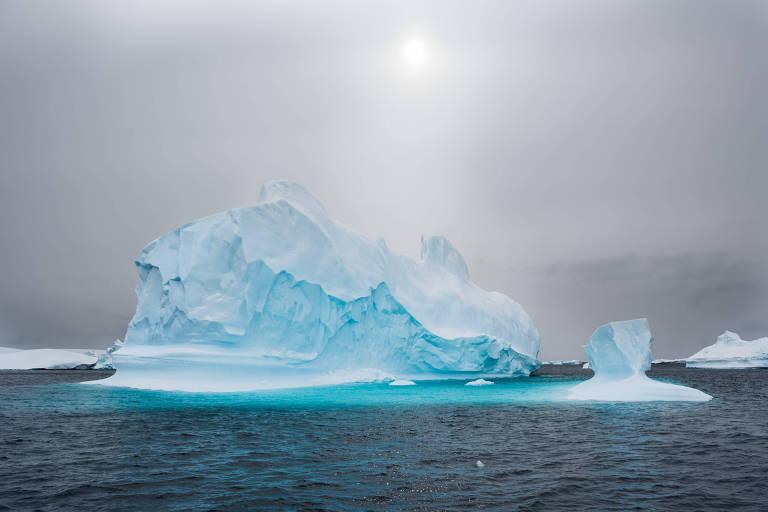 Fotógrafo Joseph Michael retrata icebergs