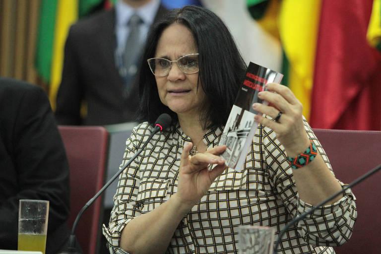 A ministra da Mulher, da Família e dos Direitos Humanos, Damares Alves, durante posse dos novos integrantes da Comissão de Anistia. Ela anunciou mudanças no regimento do órgão que desagradam anistiados