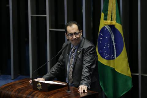 'Se alguém fez teatro, foi o presidente Bolsonaro', diz Kajuru à Folha após conversa sobre CPI da Covid