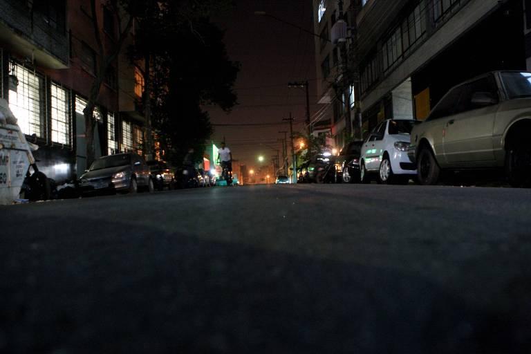Alameda Barão de Limeira, na região central, sem iluminação