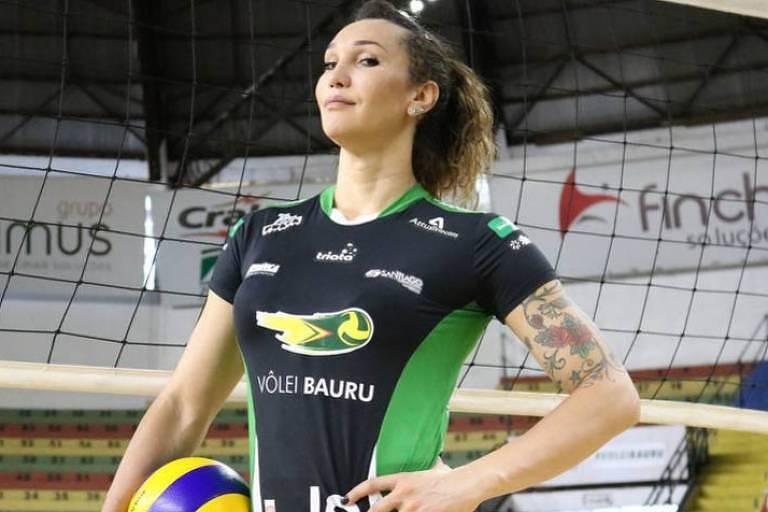 A jogadora Tiffany Abreu, do Bauru, é a primeira transexual a disputar a Superliga feminina de vôlei