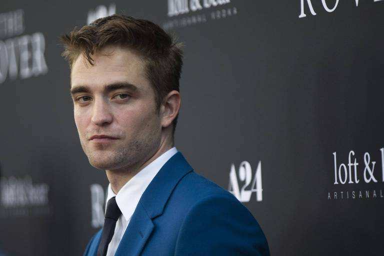 Robert Pattinson durante premiere em Los Angeles
