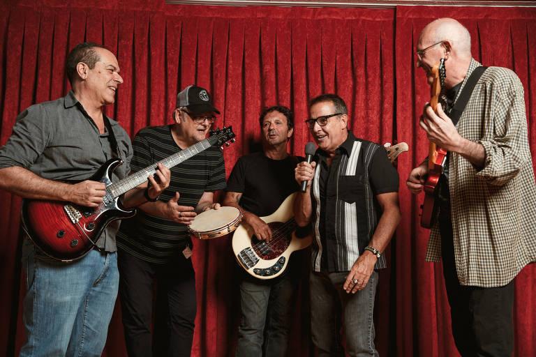 Banda Voluntários da Pátria. Nasi (vocais), Thomas Pappon (bateria), Ricardo Gaspa (baixo) e os guitarristas Miguel Barella e Giuseppe Frippi