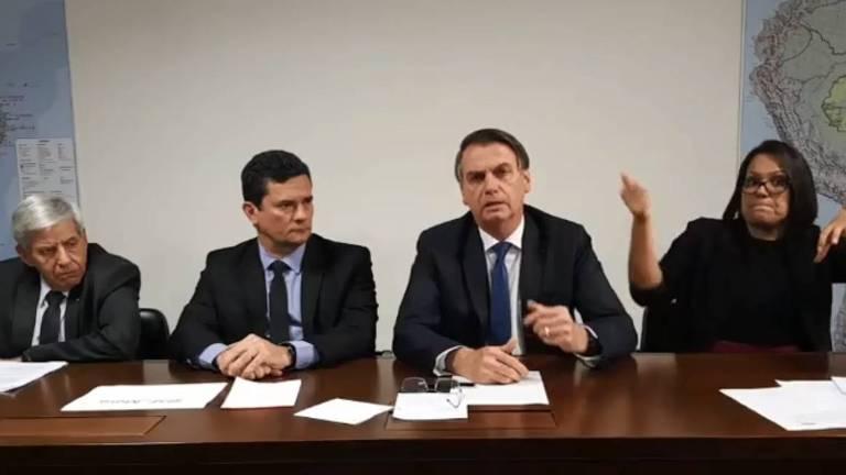 Bolsonaro ao lado de Sergio Moro e do general Augusto Heleno