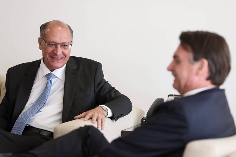 O presidente Jair Bolsonaro durante audiência com o ex-governador de São Paulo e presidente nacional do PSDB, Geraldo Alckmin