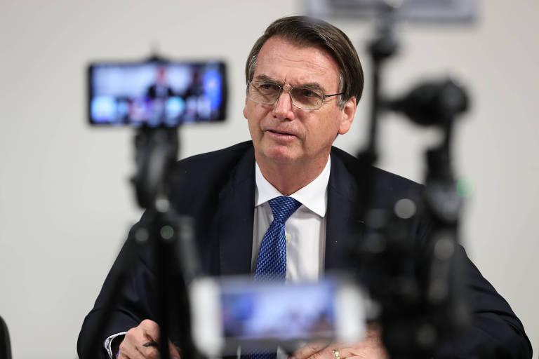 Presidente da República Jair Bolsonaro, durante transmissão de live para as redes sociais