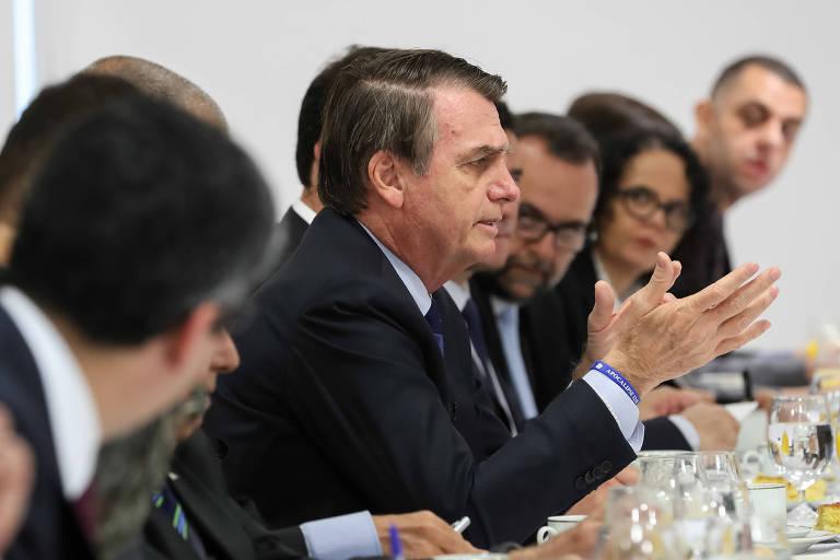 O presidente Jair Bolsonaro fala durante café da manhã com jornalistas nesta sexta (5) no Palácio do Planalto