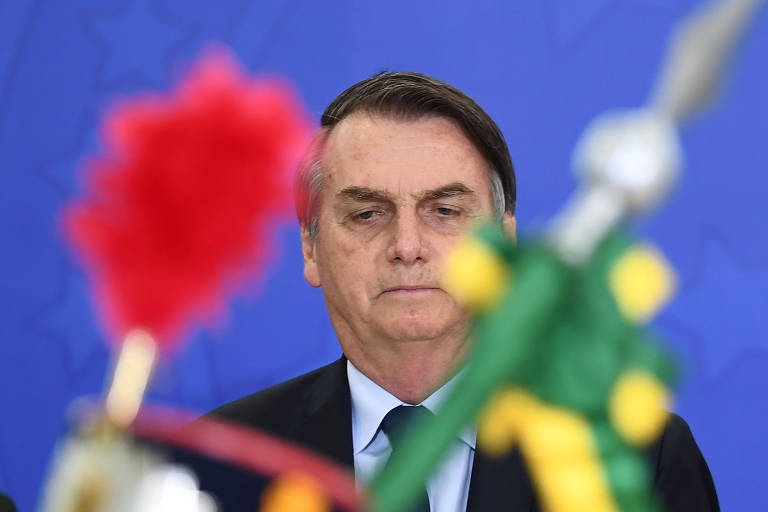 """O presidente Jair Bolsonaro (PSL) durante cerimônia militar no Palácio do Planalto. Ele afirmou a servidores que o cargo de presidente """"é só problema"""""""
