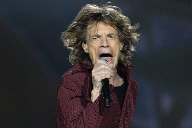 Mick Jagger tranquiliza fãs e afirma estar 'muito melhor' após passar por cirurgia cardíaca nos EUA