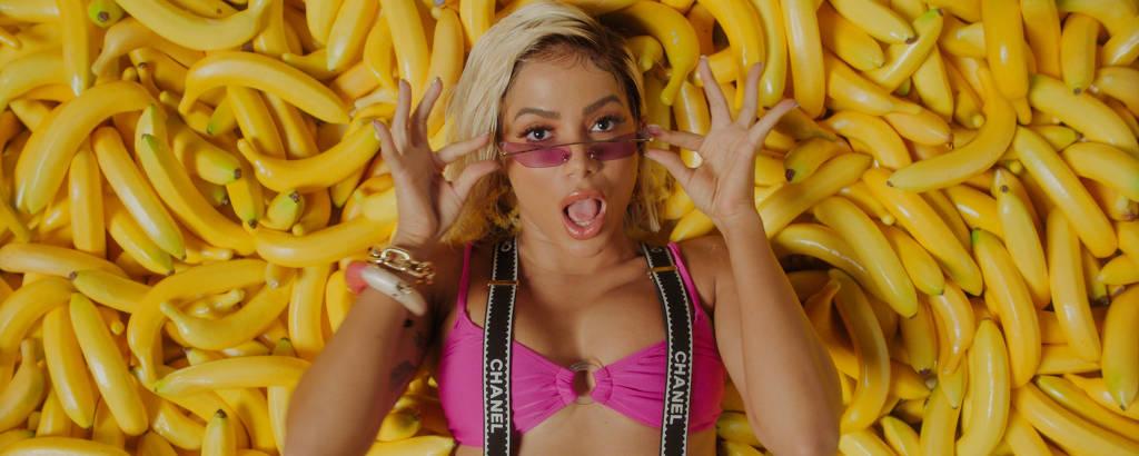 Cena de clipe de Anitta no álbum visual 'Kisses'