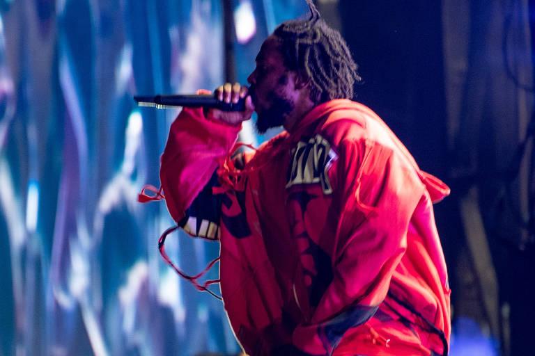 O rapper norte americano Kendrick Lamar fecha o palco principal no último dia de festival
