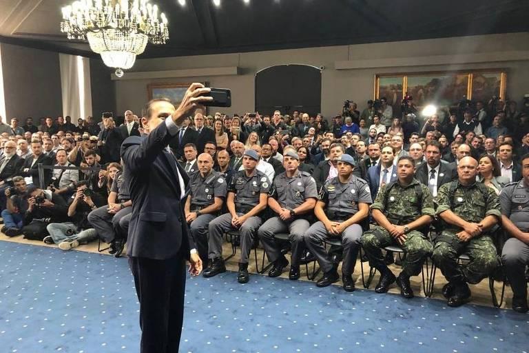 Governador João Doria (PSDB) homenageia policiais em cerimônia no Palácio dos Bandeirantes nesta terça-feira (9)