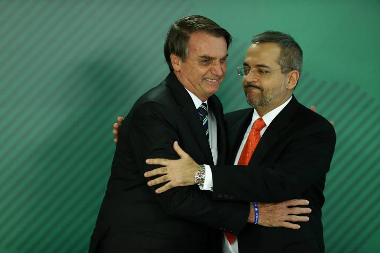 O presidente Jair Bolsonaro na cerimônia de posse do novo ministro da Educação, Abraham Weintraub