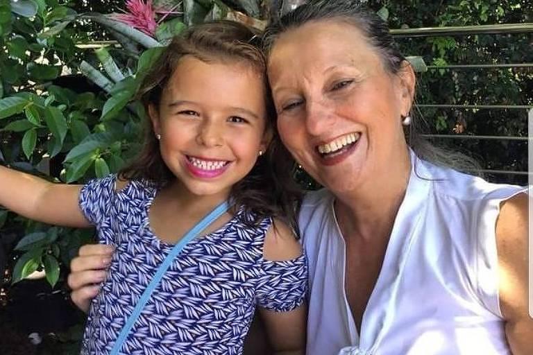 Lúcia Xavier Sannento Neves, 63, e a neta Júlia Neves Aché, 6