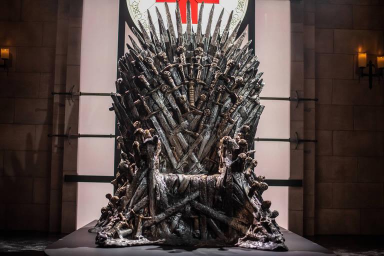 Réplica do Trono de Ferro, de Game of Thrones, em instalação em Austin, no Texas