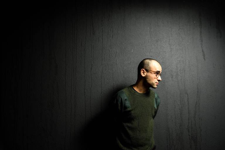 O artista contemporâneo Deyson Gilbert, conhecido pela obra conceitual