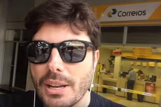 Danilo Gentili em vídeo divulgado no YouTube falando sobre notificação extrajudicial que recebeu em nome da deputada Maria do Rosário (PT)