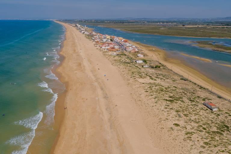 Conheça Faro, capital do Algarve