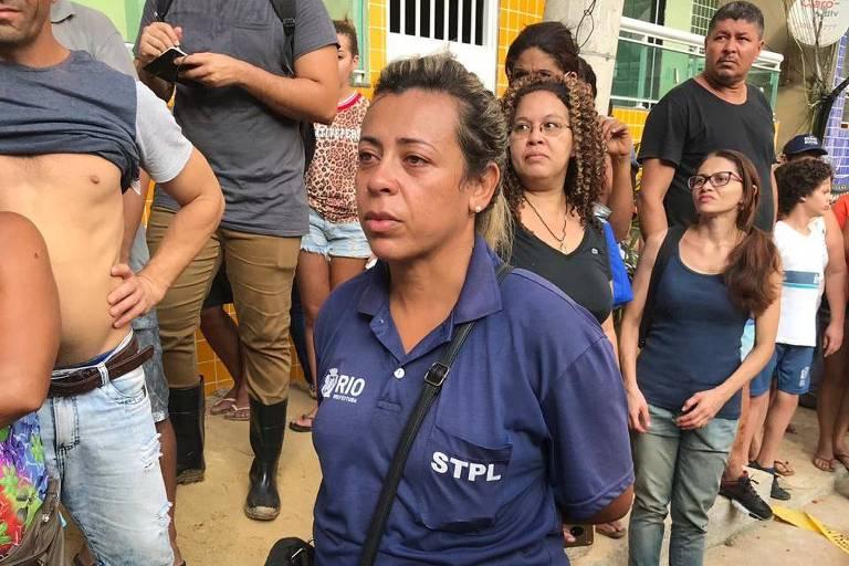A motorista Elaine Pereira, 37, viu pela televisão que o prédio de sua prima desabou