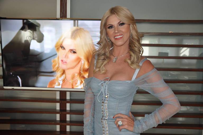 Val Marchiori, 44 anos, durante o lançamento de seu novo canal no YouTube com a ajuda da RedeTV!