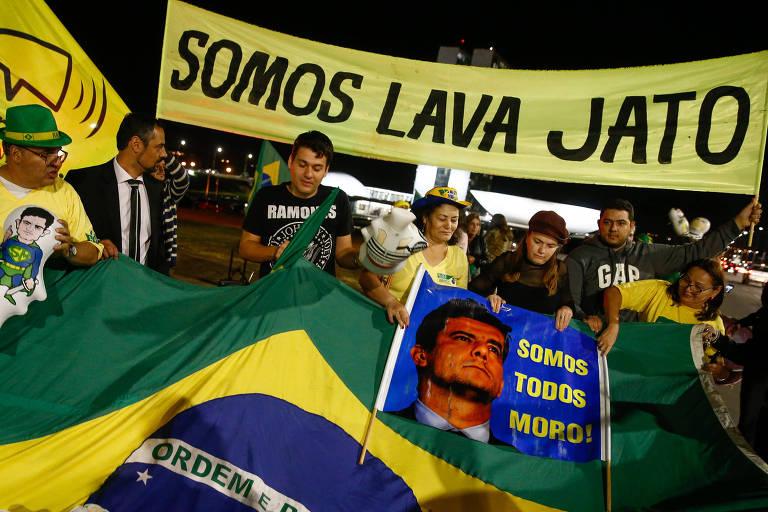 Manifestantes promovem ato em Brasília, em 2017