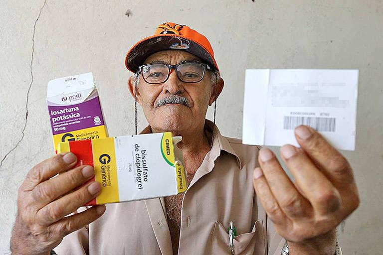 José Luiz dos Santos, 80 anos, relata que vive um jogo de empurra entre unidades básicas de saúde