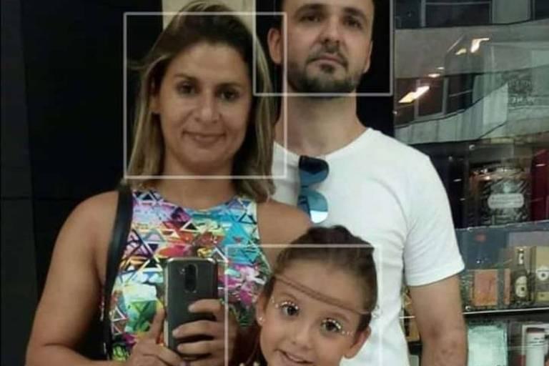 Família do pastor Claudio Rodrigues, 40, que morreu em desabamento de prédio em Muzema, na zona oeste do Rio