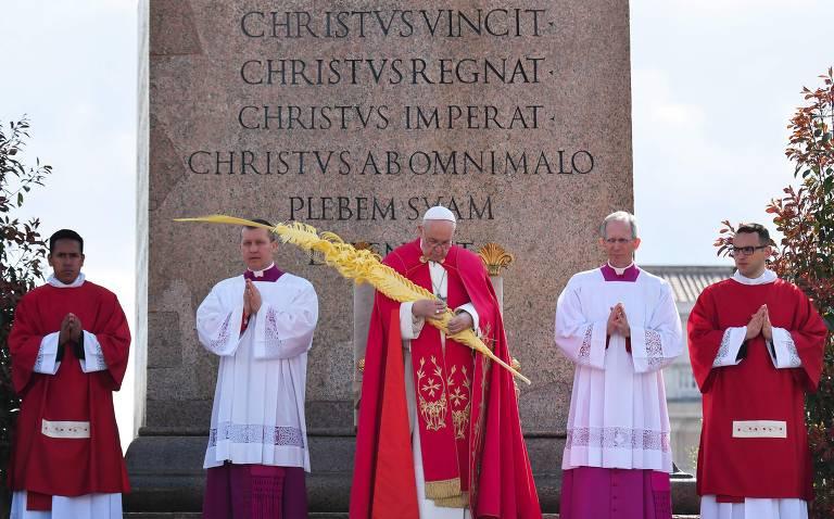 Papa Francisco celebra missa de Domingo de Ramos no Vaticano