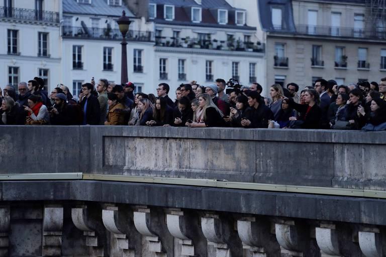 Reações ao incêndio na Notre-Dame