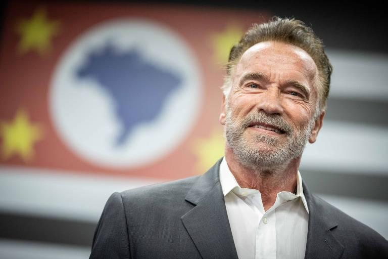 Bolsonaro envia 'certificado de reconhecimento' para Schwarzenegger