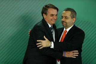 Jair Bolsonaro durante posse do ministro da Educação, Abraham Weintraub
