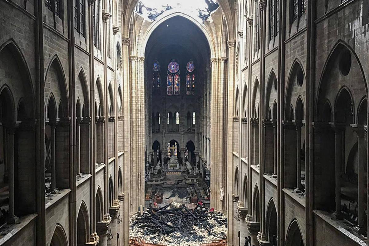 Notre-Dame de Paris: duas observações