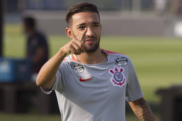 Atacante Clayson vai ser julgado nesta quarta-feira pelo TJD da Federação Paulista, mas deve jogar a final do Paulista