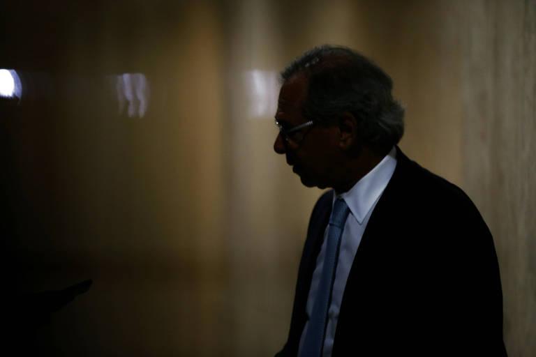 'Bolsonaro mostrou estar com o ouvido na pista no caso do preço do diesel', diz Guedes