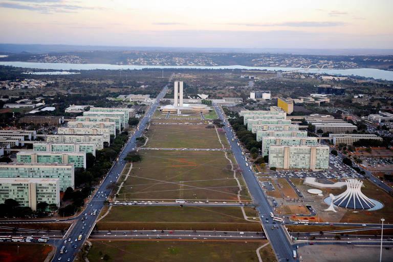 Vista aérea da Esplanada dos Ministérios, em Brasília. Reforma administrativa realizada pelo governo Bolsonaro, que fundiu e extinguiu pastas, ainda depende de ratificação do Congresso
