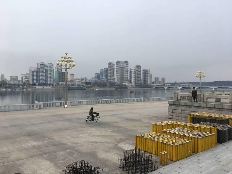 Pyongyang, maquete de si mesma