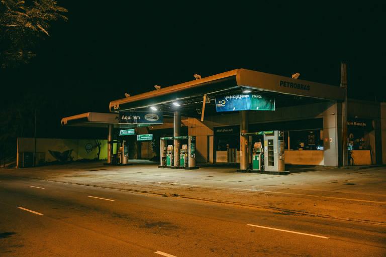 Posto da Petrobras na avenida Professor Fonseca Rodrigues, no Alto de Pinheiros, em São Paulo