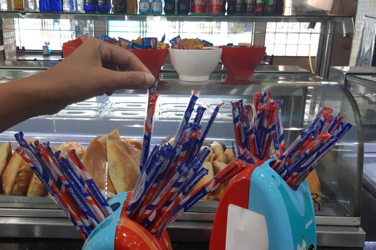 Vereadores aprovaram proibição dos canudinhos plásticos em SP